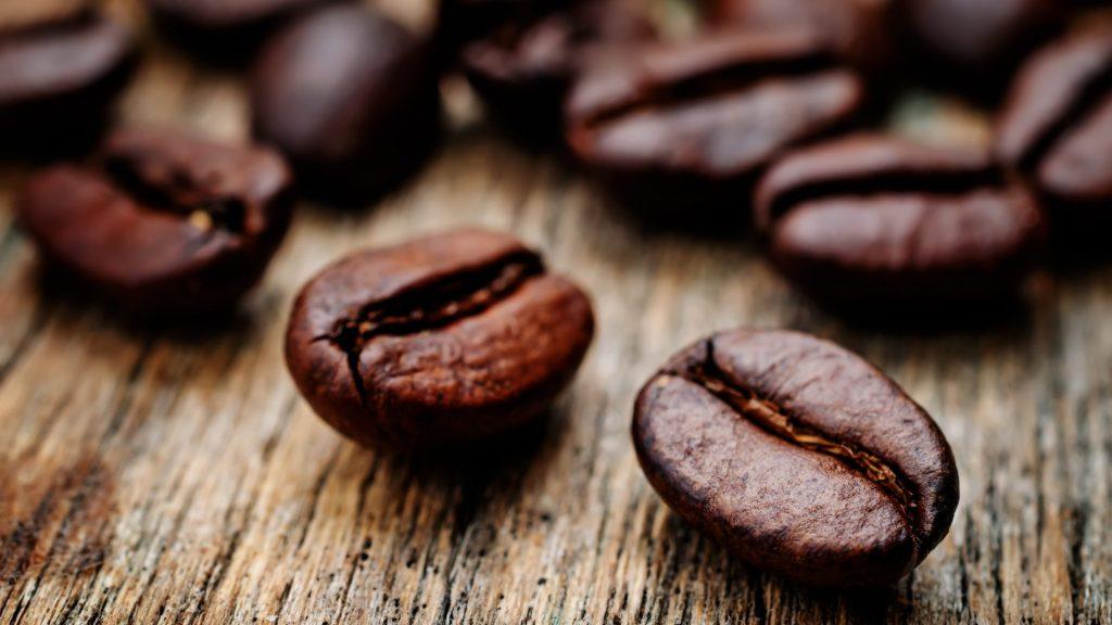 Kafferistning: Hvad betyder lys, medium eller mørk? [GUIDE 2020] | Kaffemøllen A/S